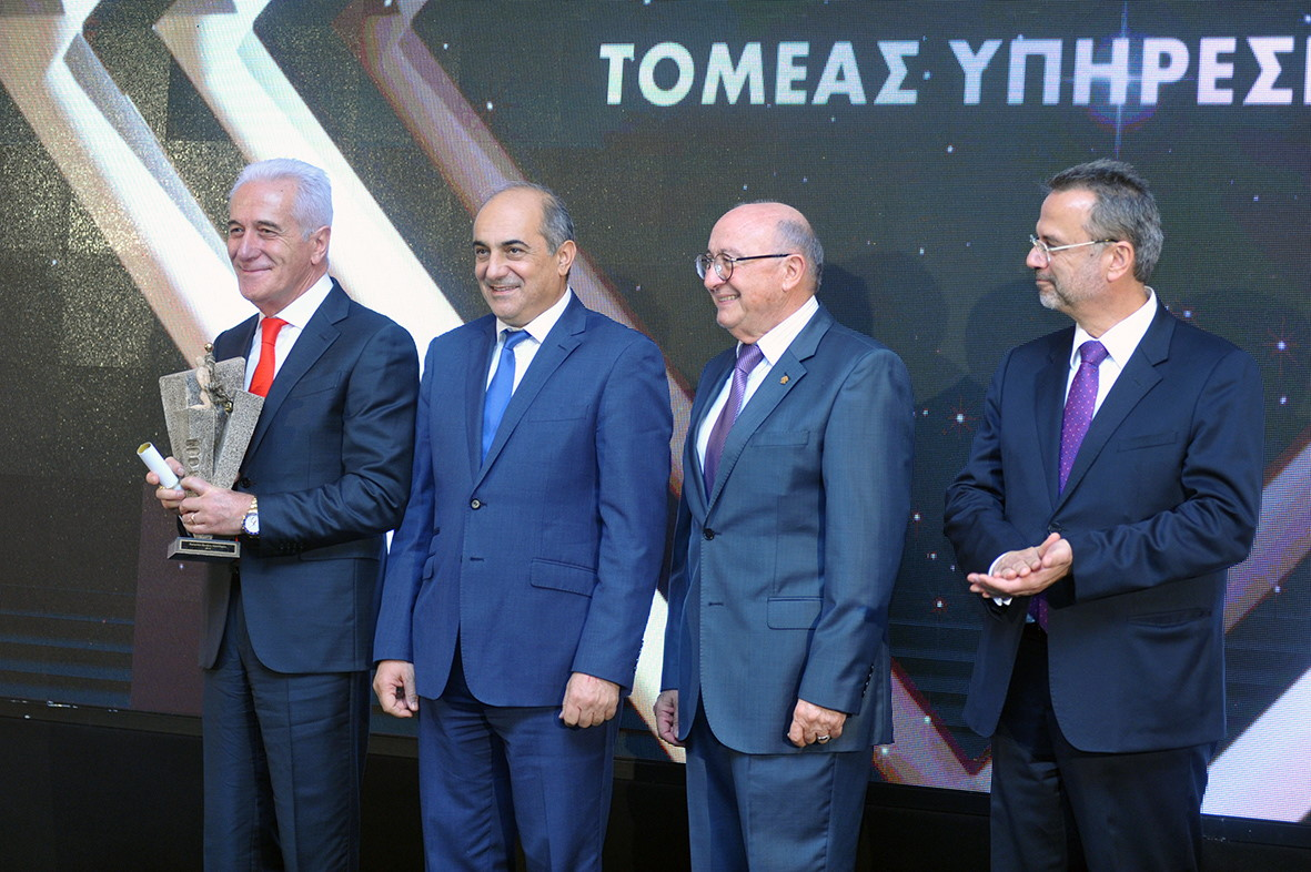 cl8-was-awarded-the-innovation-award-2019-by-oeb